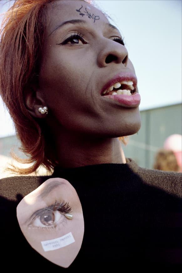 femme lors d'un défilé à New York