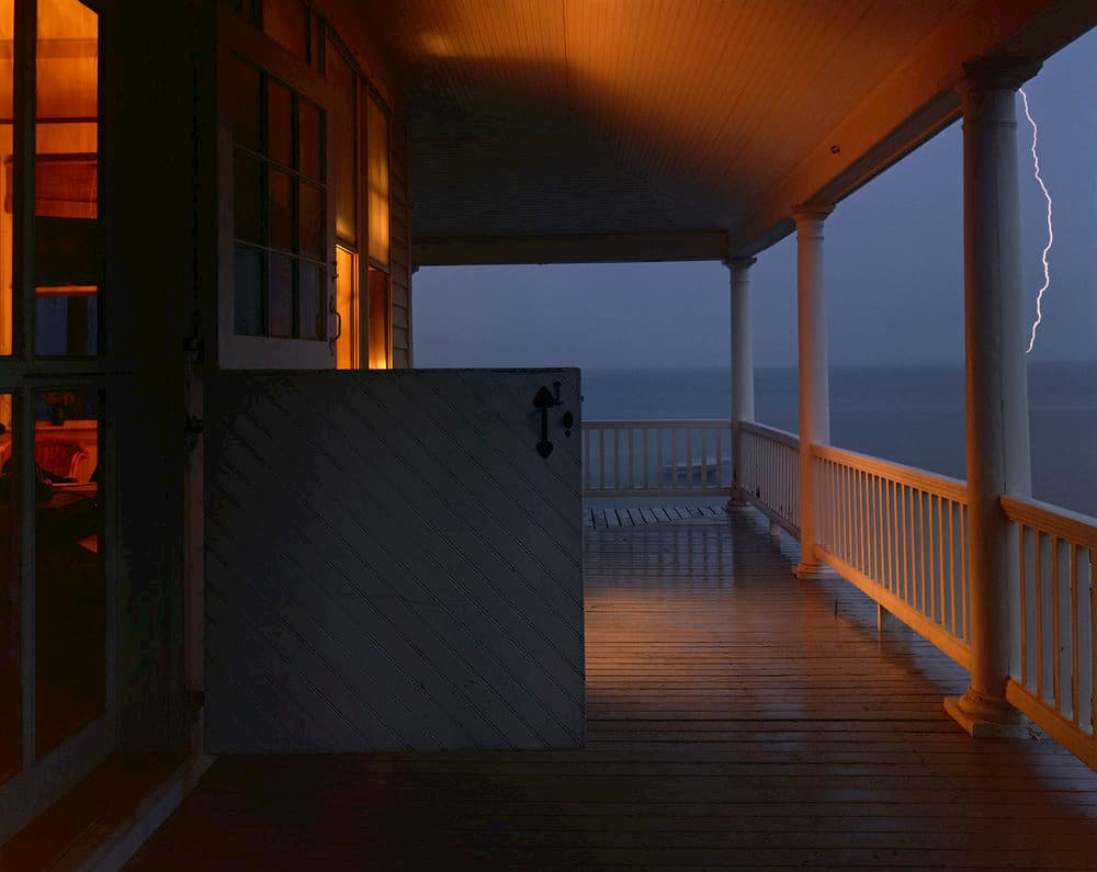 Joel Meyerowitz : porche lors d'un orage