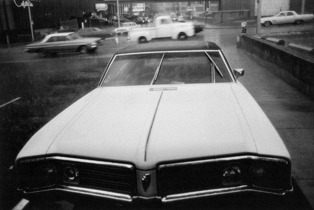 voiture américaine des années 50 de face