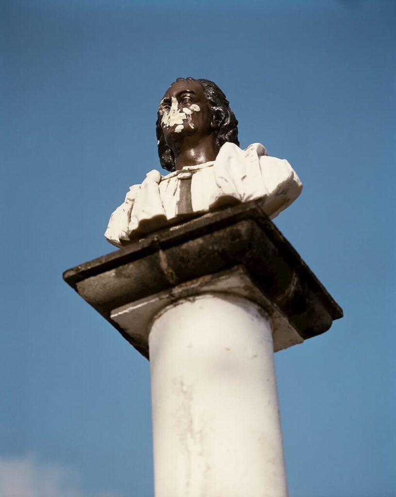 Le mémorial Christophe Colomb en Guadeloupe photographié par Gregory Halpern
