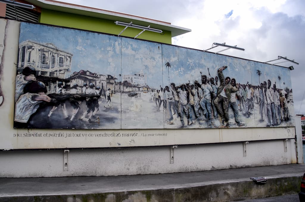 La fresque murale en hommage aux victimes de mai 1967