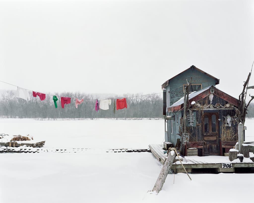 © Alec Soth - Peter's houseboat - Winona, Minnesota