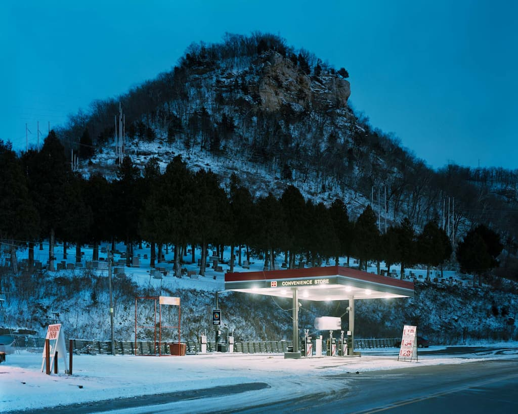 © Alec Soth - Cemetery, Fountain City, Wisconsin