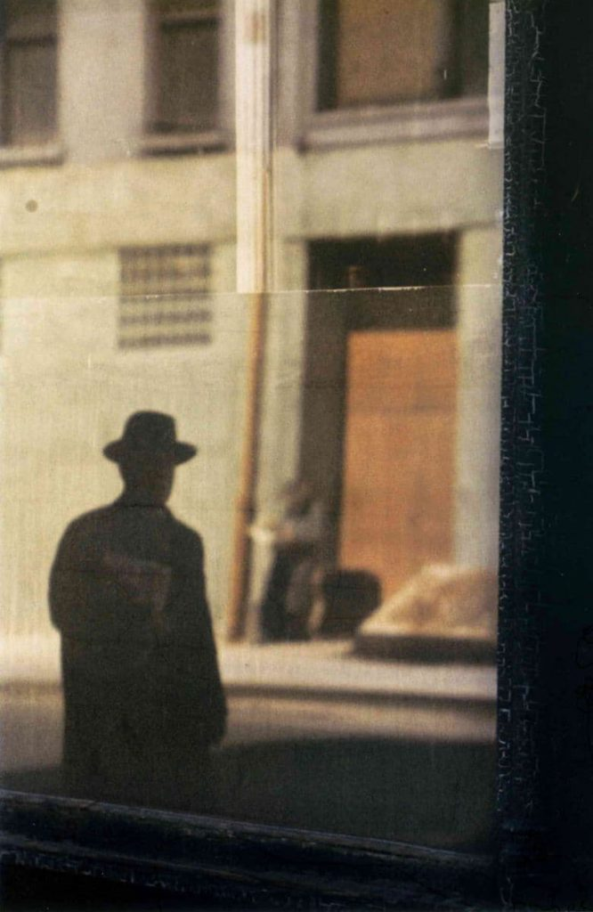Saul Leiter - Near the Tanager - 1954